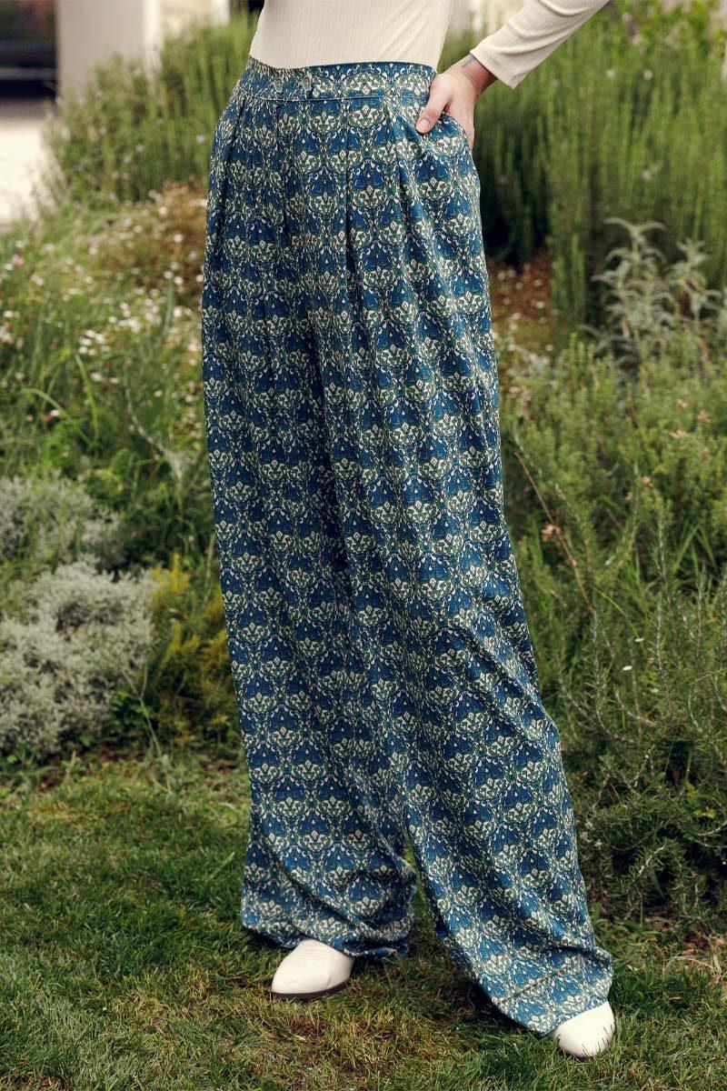 am0612.28.000_Project Soma Reflection Pants